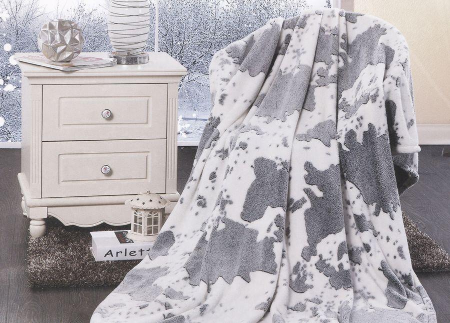 Плед ТД Текстиль Absolute, цвет: серый, 200 х 220 см. 8958289582Плед ТД Текстиль Absolute - это идеальное решение для вашего интерьера! Он порадует вас легкостью, нежностью и оригинальным дизайном! Плед выполнен из 100% полиэстера. Полиэстер считается одной из самых популярных тканей. Это материал синтетического происхождения из полиэфирных волокон. Внешне такая ткань схожа с шерстью, а по свойствам близка к хлопку. Изделия из полиэстера не мнутся и легко стираются. После стирки очень быстро высыхают. Плед - это такой подарок, который будет всегда актуален, особенно для ваших родных и близких, ведь вы дарите им частичку своего тепла! Рекомендуем!