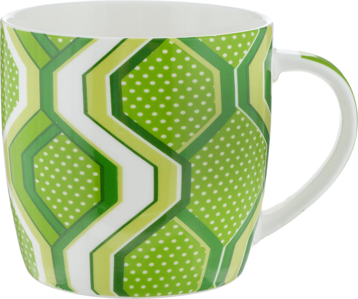 Кружка Loraine Геометрические фигуры, цвет: зеленый, салатовый, белый, 320 мл кружка loraine цвет белый красный голубой 320 мл 24484
