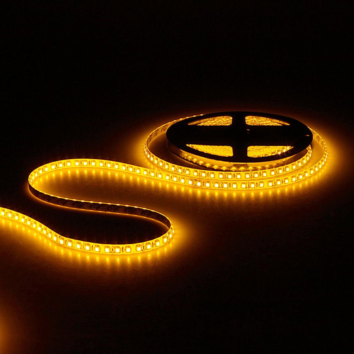 Светодиодная лента Sima-land, 12В, SMD3528, длина 5 м, IP65, 120 LED ламп, 9.6 Вт/м, 6-7 Лм/1 LED, DC, цвет: желтый. 848548 светодиодная лента luazon 12в smd3528 длина 5 м ip68 60 led ламп 4 8 вт м 6 7 лм 1 led dc цвет фиолетовый