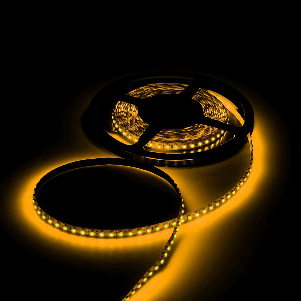 Светодиодная лента Luazon, 12В, SMD3528, длина 5 м, IP68, 60 LED ламп, 4.8 Вт/м, 6-7 Лм/1 LED, DC, цвет: желтый. 883887 светодиодная лента luazon 12в smd3528 длина 5 м ip68 60 led ламп 4 8 вт м 6 7 лм 1 led dc цвет фиолетовый
