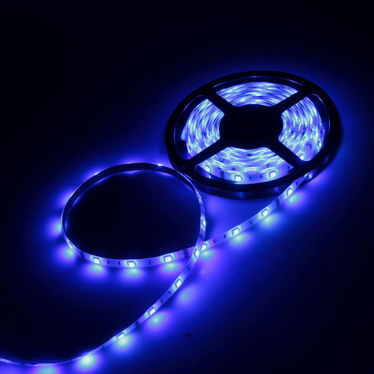 Светодиодная лента Luazon, 12В, SMD5050, длина 5 м, IP65, 30 LED ламп, 7.2 Вт/м, 14-16 Лм/1 LED, DC, цвет: синий светодиодная лента luazon 12в smd3528 длина 5 м ip68 60 led ламп 4 8 вт м 6 7 лм 1 led dc цвет фиолетовый