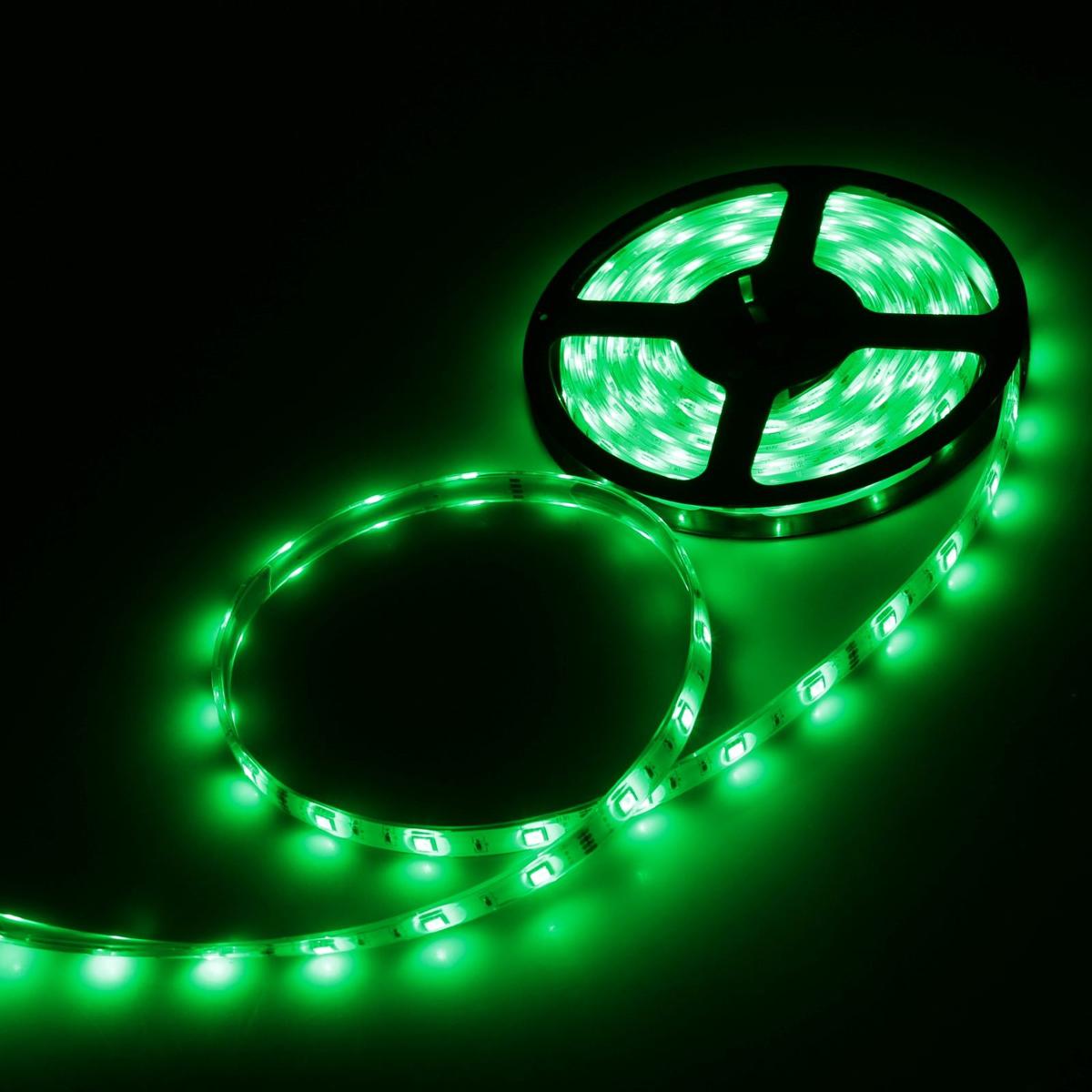 Светодиодная лента Luazon, 12В, SMD5050, длина 5 м, IP68, 30 LED ламп, 7.2 Вт/м, 14-16 Лм/1 LED, DC, цвет: зеленый светодиодная лента luazon 12в smd3528 длина 5 м ip68 60 led ламп 4 8 вт м 6 7 лм 1 led dc цвет фиолетовый