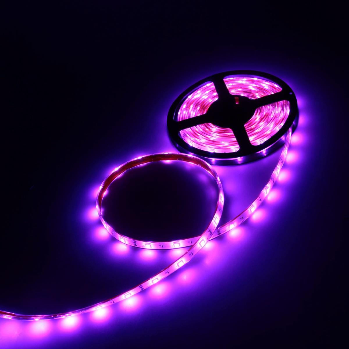 Светодиодная лента Luazon, 12В, SMD5050, длина 5 м, IP68, 30 LED ламп, 7.2 Вт/м, 14-16 Лм/1 LED, DC, цвет: фиолетовый светодиодная лента luazon 12в smd3528 длина 5 м ip68 60 led ламп 4 8 вт м 6 7 лм 1 led dc цвет фиолетовый