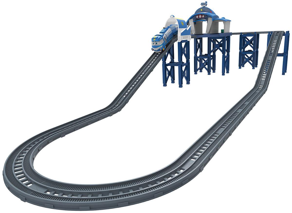 Robot Trains Набор трансформеров Станция Кея80170Игровой набор на батарейкахКнопка «Пуск / Стоп» находится на роботе- поезде;Звуковые эффекты;Состав: станция Кея, моторизированный робот поезд Кей, 2 съемных вагона, рельсы. Рекомендуем!