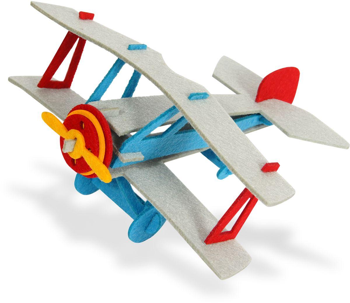 Feltrica Набор для 3D моделирования Самолет4627130653225Набор для 3D моделирования Feltrica Самолет - прекрасный набор для игры и совместного творчества детей и их родителей. В наборе есть все элементы для создания модели, ребенок почувствует себя настоящим авиаконструктором. Прекрасный дидактический материал для развивающих студий и организации обучающих игр в компании детей. Материал: фетр. Набор состоит из 26 элементов.