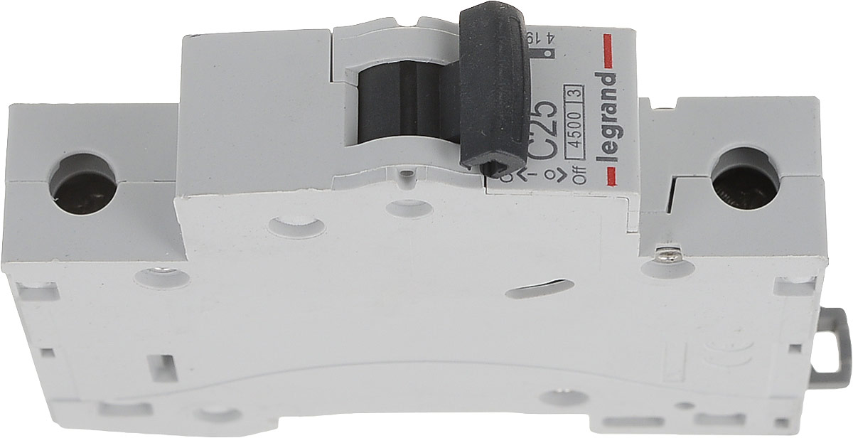 Выключатель автоматический Legrand RX3, 1П C 25А 4500А419666Выключатель Legrand RX3 это механический коммутационный аппарат, способный включать, проводить и отключать токи при нормальном состоянии цепи, а также включать, проводить в течение заданного времени и автоматически отключать токи в указанном аномальном состоянии цепи, таких, как токи короткого замыкания. Отличительными особенностями оборудования этой серии являются надежность, безопасность и простота при монтаже. Благодаря этому, серия RX3 идеально подходит для использования в жилых и небольших коммерческих зданиях. Применяются выключатели для защиты цепей от перегрузок и коротких замыканий, защиты резистивных и индуктивных нагрузок с низким импульсным током. Количество силовых полюсов: 1. Номинальное напряжение: 400В. Номинальный ток: 25А. Характеристика срабатывания электромагнитного расцепителя: C. Номинальная отключающая способность: 4500А.