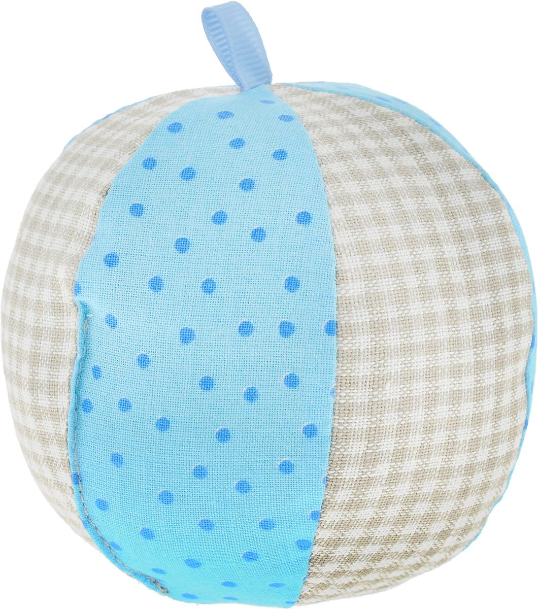 Мякиши Развивающая игрушка ЭкоМякиши Мячик цвет голубой362_голубойЭко Мячик серии ЭкоМЯКИШИ с погремушкой – это яркая и безопасная игрушка из натуральных, экологичных материалов. В комплектности 1 мячик из хлопка и льна. Сочетание тканей и природных оттенков натурального льна делает этот мячик особенно нарядным.Игрушка упакована в стильную, экологичную крафтовую упаковку.Оптимальный размер, яркие цвета и разные фактуры тканей, звуковой элемент – всё это будет способствовать развитию малыша, совершенствованию мелкой моторики, эмоциональному, цветовому, звуковому, и тактильному восприятию Вашего малыша.Ваш ребенок сможет играть в мяч и извлекать из мячика звук, благодаря погремушке. Сможет различать силу звука и извлекать звуки нужной громкости потряхиванием, сжатием, киданием и катанием мячика.
