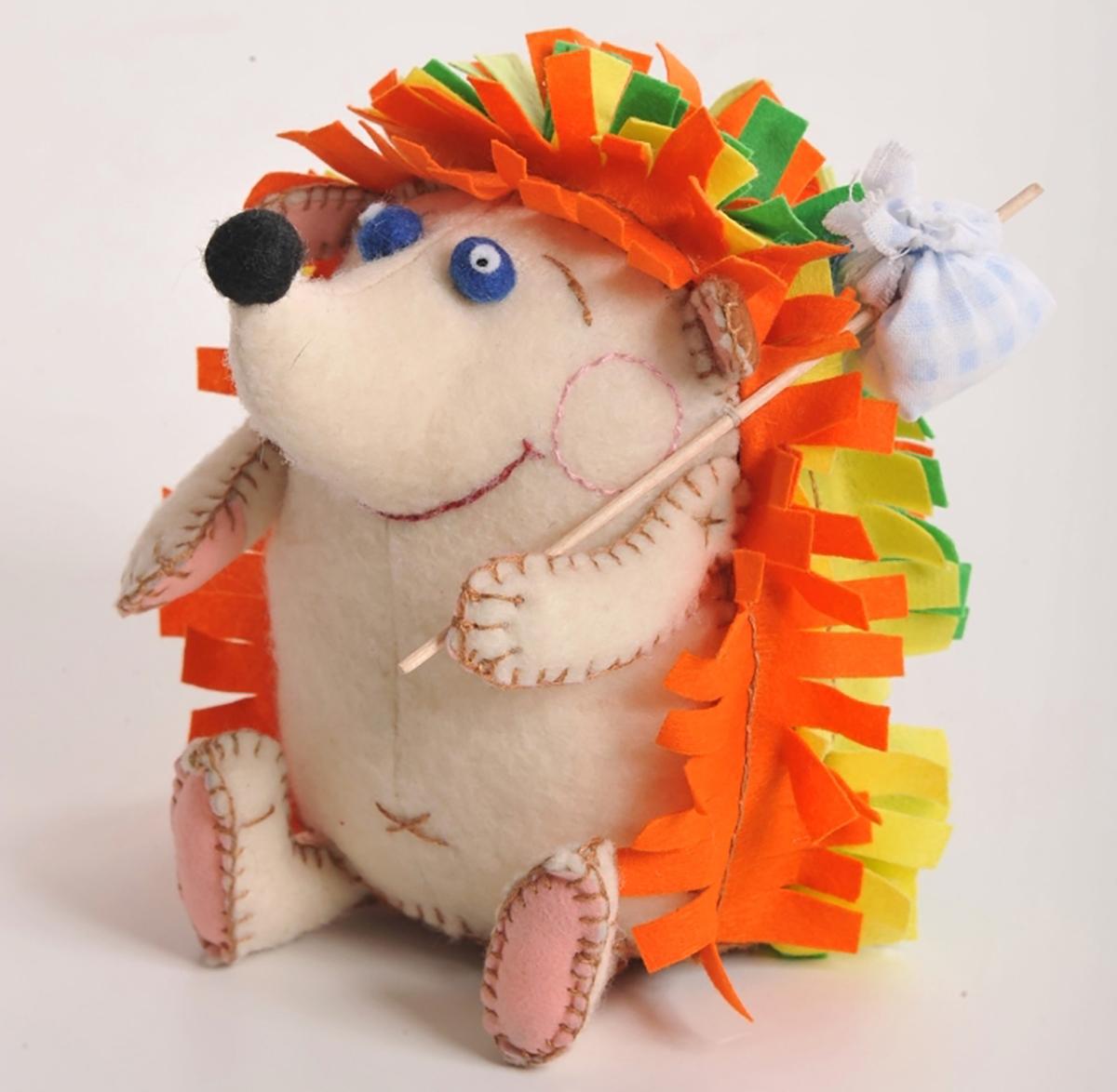 цена на Набор для создания игрушки Перловка Счастливый ежик, высота 13,5 см