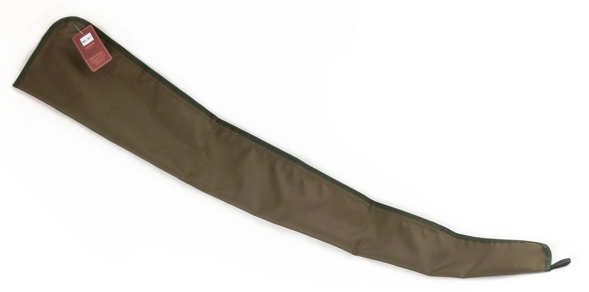 Чехол для оружия Vektor, цвет: зеленый, длина 135 см. М-1М-1Легкий и простой ружейный чехол Vektor предназначен для хранения и транспортировки винтовки (ружья в сборе) длиной до 135 см. Непосредственно на месте охоты защищает её от грязи, веток деревьев, снега, воды, мелкого мусора, предохраняет от царапин и ударов. Чехол для охотников изготовлен из водонепроницаемой синтетической ткани. Широкая передняя часть позволяет легко и удобно помещать и доставать из него оружие. Изделие прошито прочными лавсановыми нитями, укреплено износостойкой синтетической тесьмой. Внутри чехла имеется упор для приклада, предотвращающий выпадение оружия. Застежка изделия - Velcro (липучка). В передней части петля для подвески (хранения). Кроме того, он компактно хранится в скрученном состоянии. Длина внешняя 135 см, внутренняя 130 см. В производстве используется самое современное оборудование и материалы.