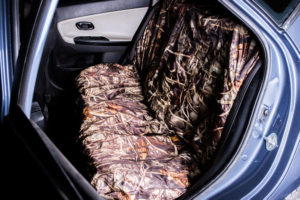 Комплект чехлов на сиденье автомобиля AvtoTink Охота-Рыбалка, на заднее сиденье накидка на сиденье nova bright 120х43см