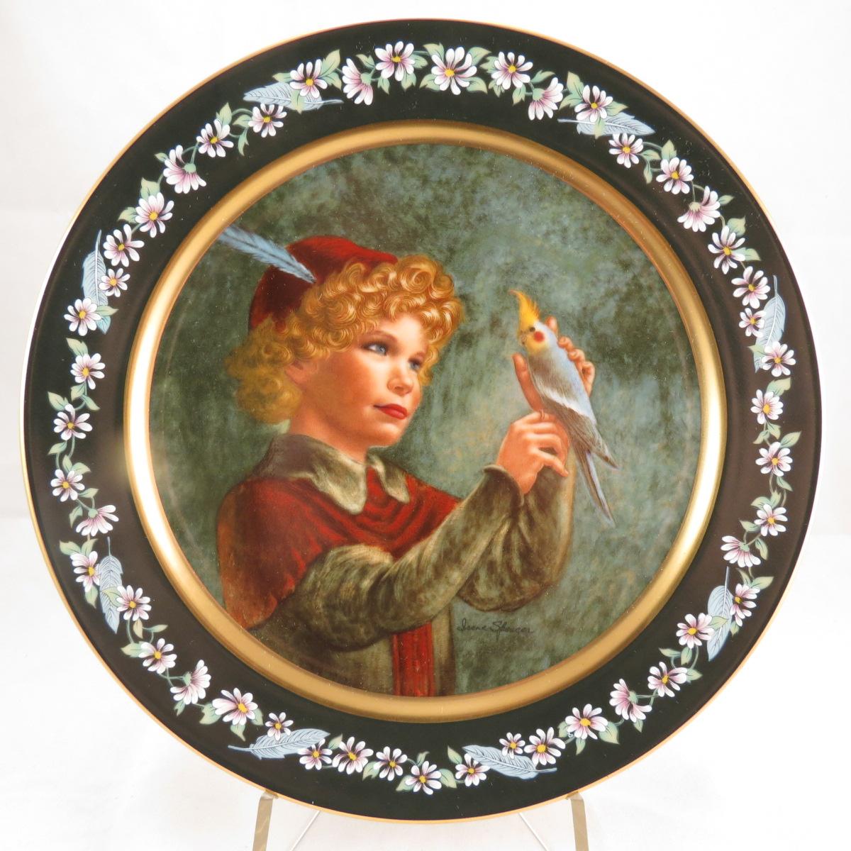 """Декоративная коллекционная тарелка """"Давайте притворимся: Робин Гуд"""". Фарфор, деколь, золочение. США, Pickard China, Ирен Спенсер, 1985"""