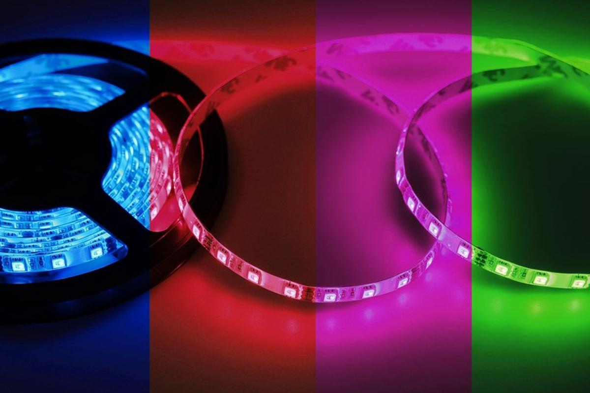 Фото - Светодиодная лента Neon-Night SMD 5050, 10мм, IP23, 60 LED/m, 12V, RGB led лента открытая 10мм ip23 smd 5050 60 led m 12v зеленая