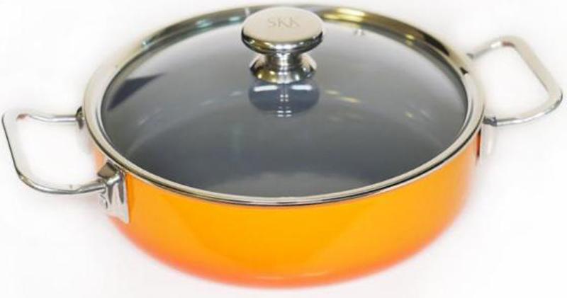 Сотейник SKK Series 8, со стеклянной крышкой. Диаметр 24 см12124O/11241Сотейник Series 8 от известного германского бренда SKK изготовлен из высококачественного алюминия. Эмалевое покрытие экологично и безопасно, а прозрачная крышка позволит следить за процессом приготовления без потери тепла. Подходит для индукционных плит. Диаметр: 24 см. Высота стенок: 7,5 см.