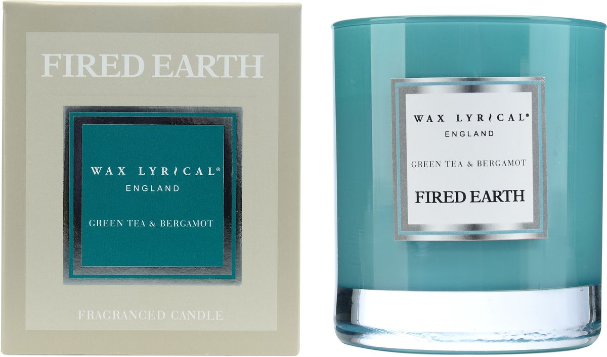 Свеча ароматическая Wax Lyrical Зеленый чай и бергамот, 540 гFE0202Тонкий, узнаваемый, безграничный аромат зеленого чая и легкого изысканного бергамота. Он наполнит ваш дом красотой своего благородного звучания. Сочетание прохладных нот монарды, мандарина, теплых аккордов сухой цедры апельсина и лимона придает аромату летний оттенок. Вы услышите бодрость зеленого чая, нежность белых лилий, почувствуете красоту янтаря и мускуса. Секрет этой парфюмерной композиции кроется в добавлении натуральных эфирных масел шалфея, лимона, литсеи и перечной мяты. Как правильно пользоваться свечами? Холодное время года особенно располагает к использованию свечей. И для того, чтобы они служили долго и действительно радовали вас необходимо соблюсти несколько нехитрых правил: перед каждым зажжением свечи подрезайте фитиль, его оптимальная высота 5-6 мм — с подрезанным фитилем свеча горит ровно и красиво; при первом зажигании, дайте поверхности свечи полностью расплавиться, таким образом вы избежите тоннельного эффекта, и свеча сгорит практически без остатка; ставьте зажженную свечу на ровную поверхность - это также позволит ей прогорать равномерно и радовать вас своей красотой и ароматом.