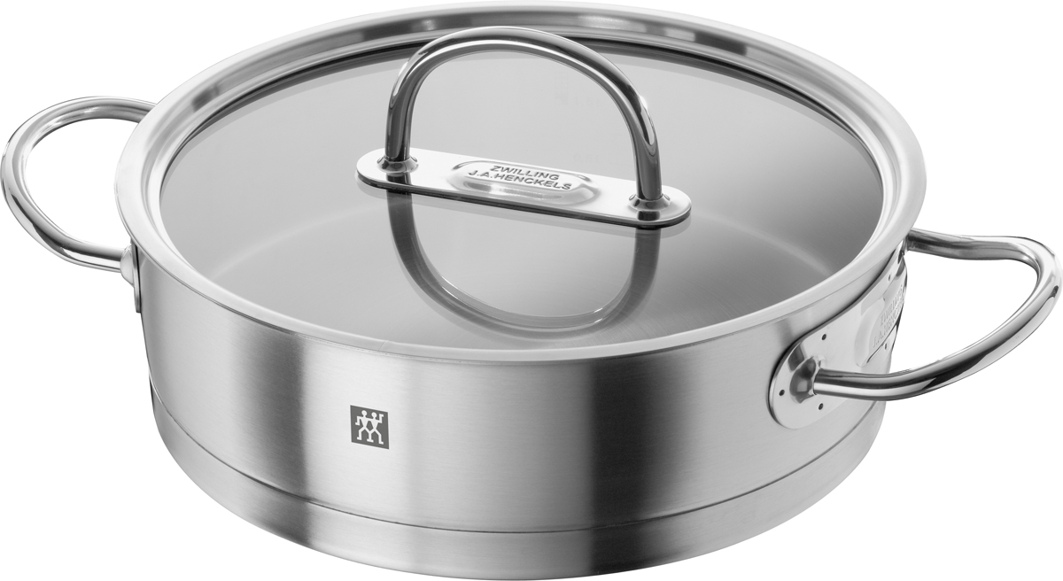 Жаровня Zwilling Prime, цвет: стальной, 3 л64067-240Кухонная посуда Zwilling Prime изготовлена из высококачественной нержавеющей стали 18/10, привлекает любителей кулинарного искусства и профессиональных поваров своим высокотехнологичным и эстетичным дизайном. Трехслойное дно Sigmabond (нержавеющая сталь 18/10, диск из сверхпрочного алюминия, магнитная нержавеющая сталь), расположенное под прямым углом к поверхности, обеспечивает быстрое и равномерное распределение тепла по всей площади. Это уменьшает риск пригорания, даже при использовании на газовых плитах. Отличительные особенности Zwilling Prime: • Качественно отшлифованная поверхность • Ручки защищены от нагрева • Плоская стеклянная крышка позволяет контролировать состояние процесса готовки • Мерная шкала для удобства соблюдения рецептуры • Загнутый край для слива без брызг • Отличная теплопроводимость, благодаря утолщенному алюминиевому диску • Высококачественная хромистая сталь 18/10 с магнитными свойствами (равномерное распределение тепла по всему дну и стенкам кастрюли) • Подходит для всех типов плит • Пригодна для мытья в посудомоечной машине. Уход: Мыть сразу после использования жидким моющим средством без применения абразивов. Внимание!!! Пустую жаровню не подвергать воздействию высоких температур. Объем, указан до края жаровни. Не заливать горячую жаровню холодной водой.