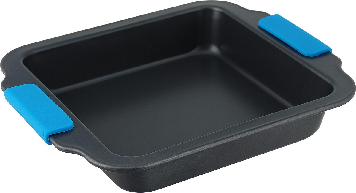 Форма для выпечки Travola, с силиконовыми ручками, цвет: серый, голубой, 27 х 23,2 х 4,5 см. KCM9184KCM9184Квадратная форма для выпечки Travola выполнена из углеродистой стали и станет незаменимым предметом на кухне любой хозяйки. С качественной посудой радовать домашних пирогами, кексами, запеканками и прочей вкуснятиной вы сможете хоть каждый день! Форма равномерно распределяет тепло по всей внутренней поверхности, предотвращает пригорание пищи и способствует ее быстрому приготовлению. Еще более удобным процесс готовки делают специальные силиконовые ручки. При приготовлении пищи в форме пользоваться только деревянными аксессуарами. Внутренний размер: 20 х 20 см. Общий размер формы (с учетом ручек): 27 х 23,2 х 4,5 см.