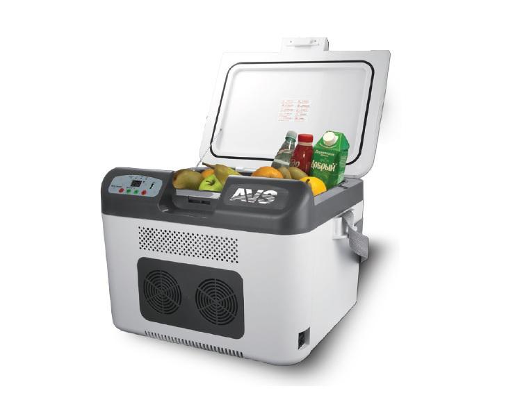 Холодильник автомобильный AVS CC-27WBC, 48 см x 38,5 см x 35 смA07084SАвтомобильный термоконтейнер AVS CC-27WBC - это незаменимый аксессуар для всех автомобилистов, которые долгое время проводят в дороге. Позволяет сохранить продукты и напитки, которые вы собираетесь взять в дальнюю поездку. Автомобильный холодильник изготовлен из высокопрочной пластмассы. Вся изоляция выполнена из экологически чистых материалов. Характеристики: Питание: 12 В/24 В/220 В. Мощность в режиме охлаждения: 78 Вт. Мощность в режиме нагрева: 54 Вт. Емкость: 27 л. Размеры: 480*385*350 мм. Вес: 7,6 кг. Работает по принципу Эффекта Пелетье. Максимальное охлаждение: 22-25°С от температуры окружающей среды. Минимальная температура: -2°С (при температуре окружающей среды не выше +23°С и непрерывной работе не менее 3-х часов). Максимальный нагрев: +65°С. LED дисплей. Контроль за состоянием аккумулятора. Материал: пластик. Комплектация: термоконтейнер, 2 провода питания, ремень, инструкция. Рекомендуем!