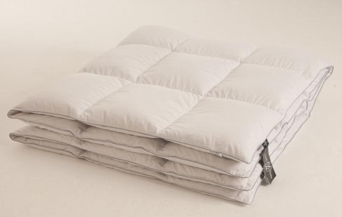 Одеяло легкое Lucky Dreams BIiss, наполнитель: гусиный пух категории Экстра, 200 х 220 см одеяло relax wool легкое цвет светло бежевый 200 х 220 см