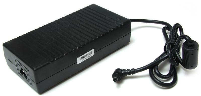 Pitatel AD-167 блок питания для ноутбуков Asus (19.5V 9.23A) pitatel ad 182 блок питания для ноутбуков lenovo 19 5v 6 15a