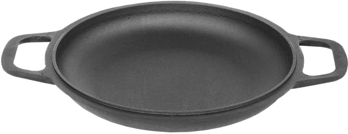 Сковорода чугунная Биол, порционная, с ручками. Диаметр 22 см2042Порционная чугунная сковорода Биол подходит не только для сервировки блюд, но и для их приготовления. Блюда на чугунной порционной сковороде выглядят интереснее и сохраняют весь свой вкус, так как прямо из печки, без дополнительных манипуляций попадают на стол.Чтобы продлить срок службы своей чугунной порционной сковороды, в первую очередь, перед подачей на стол, необходимо пользоваться деревянной подставкой. К посуде следует относиться бережно, не допускать ударов и падений. Кроме этого, категорически запрещено мыть изделие в посудомоечной машине. Очищение должно происходить без металлических скребков и агрессивных химических средств. Перед первым приготовлением пищи следует прокалить сковородку. Таким образом, вы создадите тонкий защитный слой, который позволит в дальнейшем избежать сгорания продуктов.