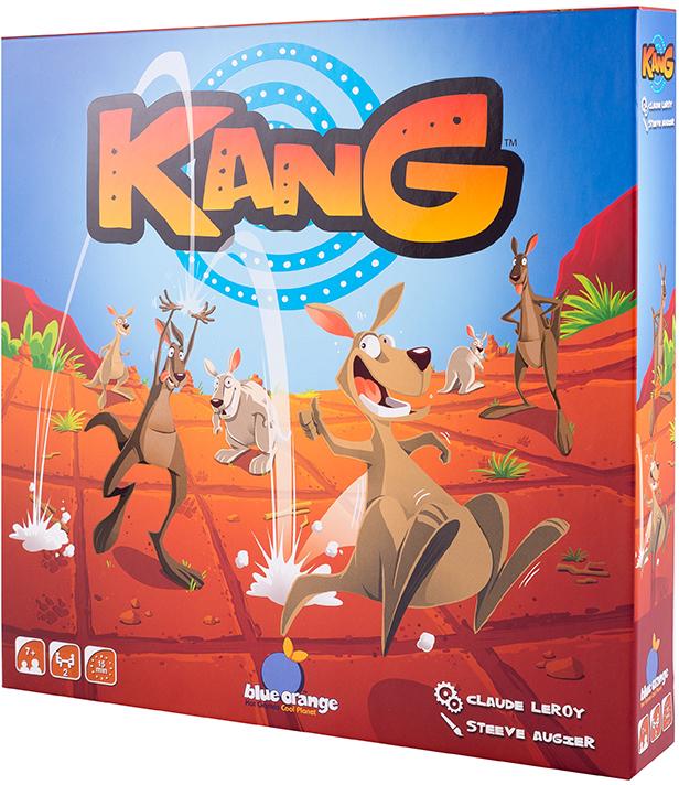 Blue Orange Настольная игра Команда кенгуру3770000904611В настольной игре Команда кенгуру (Kang) вы – тренер команды лихих прыгунов. Кенгуру любят прыгать, словно на батуте, меняться командами и даже иногда ударять друг друга своими мощными лапами – все для того, чтобы первыми урвать самую вкусную люцерну – любимое лакомство кенгуру. Задача игроков – трижды провести кенгуру за противоположный край поля и собрать три жетона люцерны. В вашей команде есть 6 лихих кенгуру, которые с помощью прыжков перемещаются на разные расстояния. Проявите все свои тренерские амбиции: обдумывайте ходы и оценивайте возможности ваших спортсменов-кенгуру, прыгайте быстрее и дальше противника, не стесняйтесь даже командовать кенгуру из другой команды, в общем – перепрыгните всех! В состав настольной игры Команда кенгуру (Kang) входят: 1 игровое поле, 12 двусторонних деревянных жетонов кенгуру (4 маленьких кенгуру, 4 средних и 4 больших), 5 жетонов люцерны, правила игры