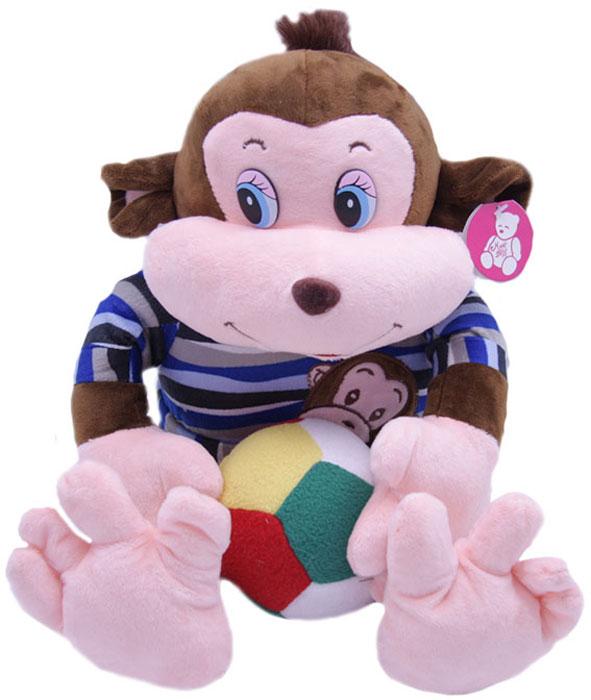 """Мягкая игрушка Magic Bear Toys SP97477-MSP97477-MМягкая игрушка """"Обезьяна Тихон с мячом"""", выполнена в виде озорной мартышки в синем свитере с аппликацией. В лапах он держит футбольный мяч. Тихон обожает играть в футбол и сейчас готовится к Чемпионату мира."""