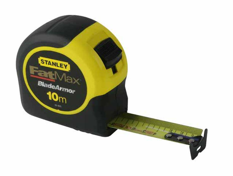 Рулетка Stanley Fatmax, 10 м х 32 мм. 0-33-8110-33-811Рулетка Stanley Fatmax - это измерительный инструмент высокой точности, гибкая стальная лента, сматывающаяся в специальный футляр. Она является усовершенствованным вариантом складного метра. Рулетка удобна тем, что на конце измерительной ленты имеется специальный порожек, который можно закрепить за край измеряемого предмета. Лента может быть выдвинута из корпуса до 3,35 м до излома. Покрытие Blade Armor на первых 12 см ленты. Пластиковый корпус со вставками из мягкой на ощупь резины. Ширина ленты: 3,2 см.
