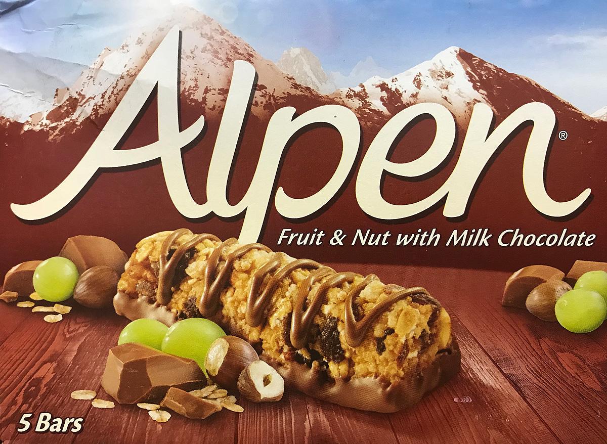 Alpen Батончик с молочным шоколадом и изюмом, 5 шт по 29 г5010029211030Батончик Alpen с молочным шоколадом и изюмом - быстрый и полезный перекус. Упаковка из 5 батончиков (по 29 г.).
