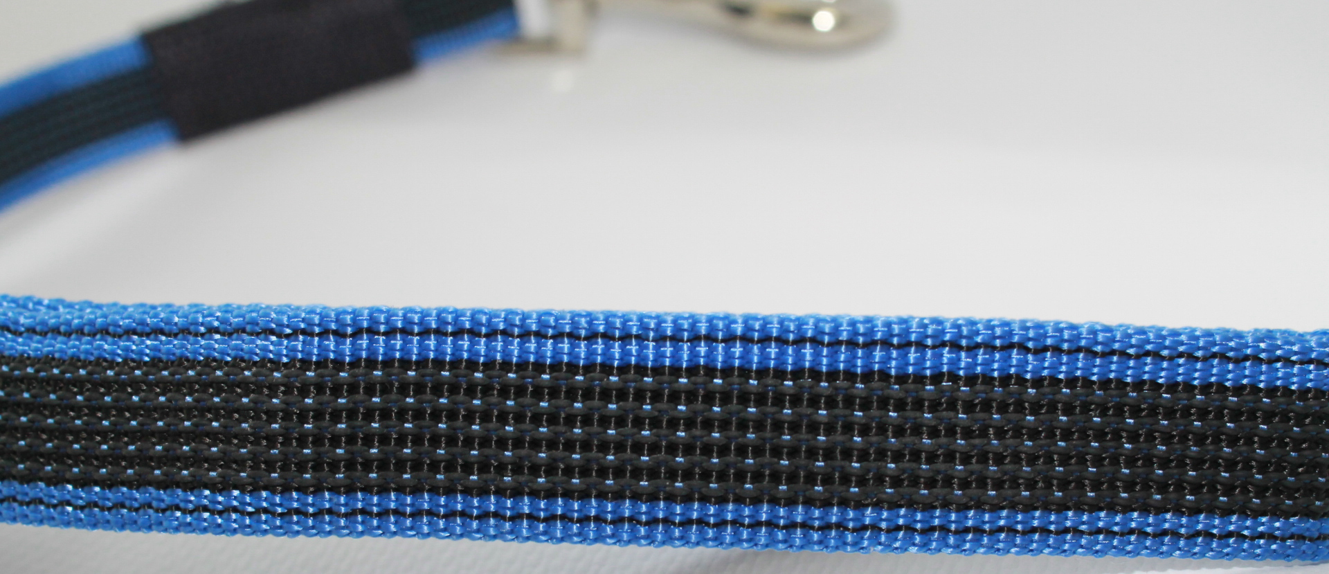 Поводок-водилка для собак Happy Friends, нескользящий, цвет: синий, ширина 2 см, длина 0,40 м поводок для собак happy house luxury цвет темно коричневый длина 125 см