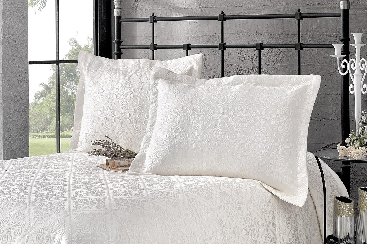 """Комплект для спальни Karna """"Afrodit"""": покрывало 260 x 260 см, 2 наволочки 50 х 70 см, цвет: светло-бежевый"""