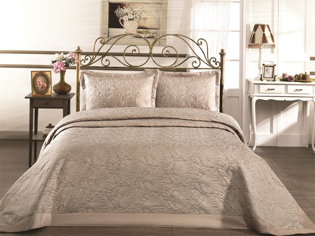"Комплект для спальни Karna ""Gabel"": покрывало 260 x 260 см, 2 наволочки 50 х 70 см, цвет: темно-бежевый"