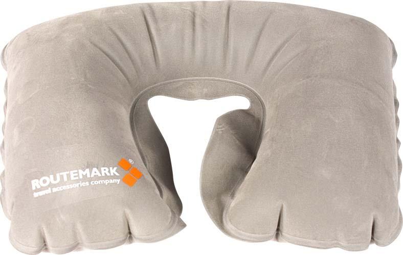 Подушка для путешествий надувная Routemark SAM , цвет: серыйSAM-grКомпактная надувная подушка - необходимый аксессуар в поездке. Отдохнуть в самолете, поезде, машине или автобусе, с комфортом спать в походе или поддержать шею во время длительного сидения на рыбалке или в засаде на охоте - в каждой ситуации надувная подушка будет как нельзя кстати. Мягкий, приятный телу материал порадует даже самого искушенного туриста. А маленький вес, компактный размер в сдутом и сложенном виде и удобный чехол для транспортировки позволят не решать во время сборов, как обойтись без подушки. Она легко поместится в карман сумки, чемодана или куртки. Рекомендуем!