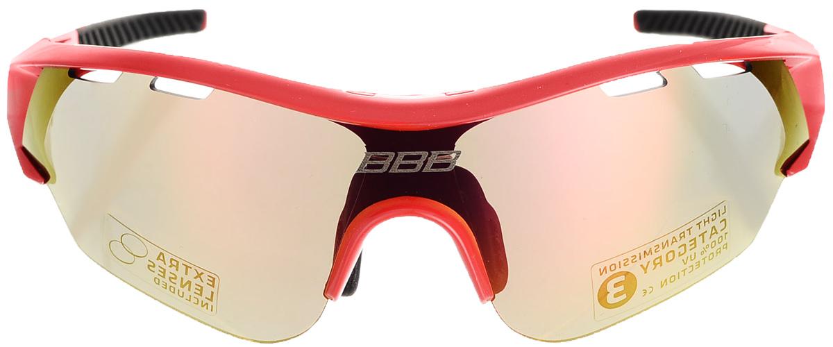 Очки солнцезащитные велосипедные BBB 2018 Summit PC Smoke MLC Red Lens, цвет: красный, черныйBSG-50Спортивные очки со специальной системой быстрой смены линз. Технические характеристики: - Создайте свой собственный стиль! Сменные линзы и наконечники дужек позволят вам получить очки, идеально подходящие по цвету к остальной экипировке. - Сменные поликарбонатные линзы со специальной системой вентиляции и покрытием против запотевания с внутренней стороны - это гарантирует надежную работу в условиях повышенной влажности. - На линзы, идущие в комплекте, нанесено гидрофобное покрытие. В дождливую погоду вода просто будет быстро сбегать с линз во время движения. Отдельно доступны различные варианты цветовых решений линз и наконечников на дужки. - Форма линз обеспечивает защиту от солнца, пыли и ветра. - 100% защита от ультрафиолета. - Высокотехнологичная оправа из материала Grilamid с настраиваемой резиновой переносицей. - Мешочек для хранения в комплекте. - В комплекте сменные линзы: желтая и прозрачная.