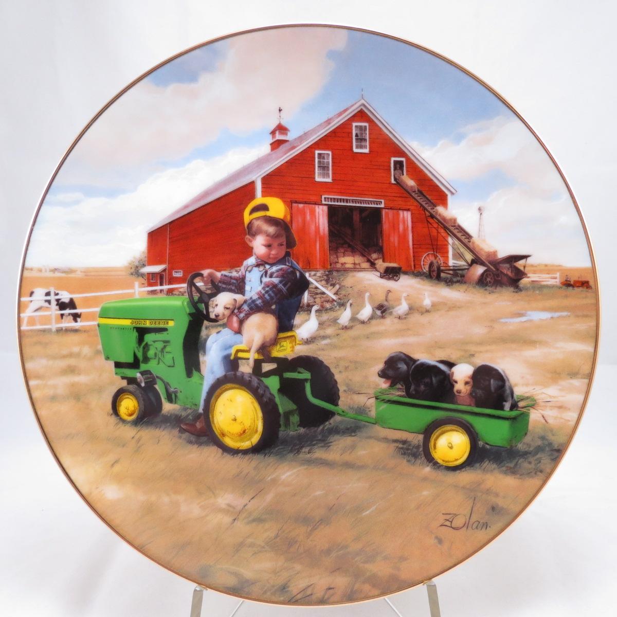 """Декоративная коллекционная тарелка """"Маленькие Фермеры: Поездка На Тракторе"""". Фарфор, деколь, золочение. США, Danbury Mint, Дональд Золан, 1996"""
