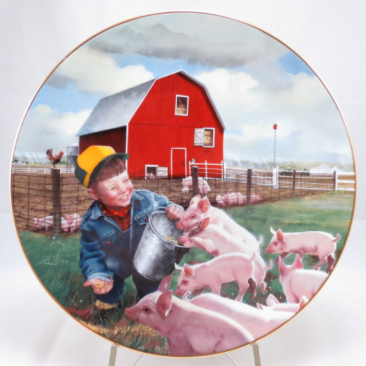 """Декоративная коллекционная тарелка """"Маленькие Фермеры: В Окружении Поросят"""". Фарфор, деколь, золочение. США, Danbury Mint, Дональд Золан, 1998"""