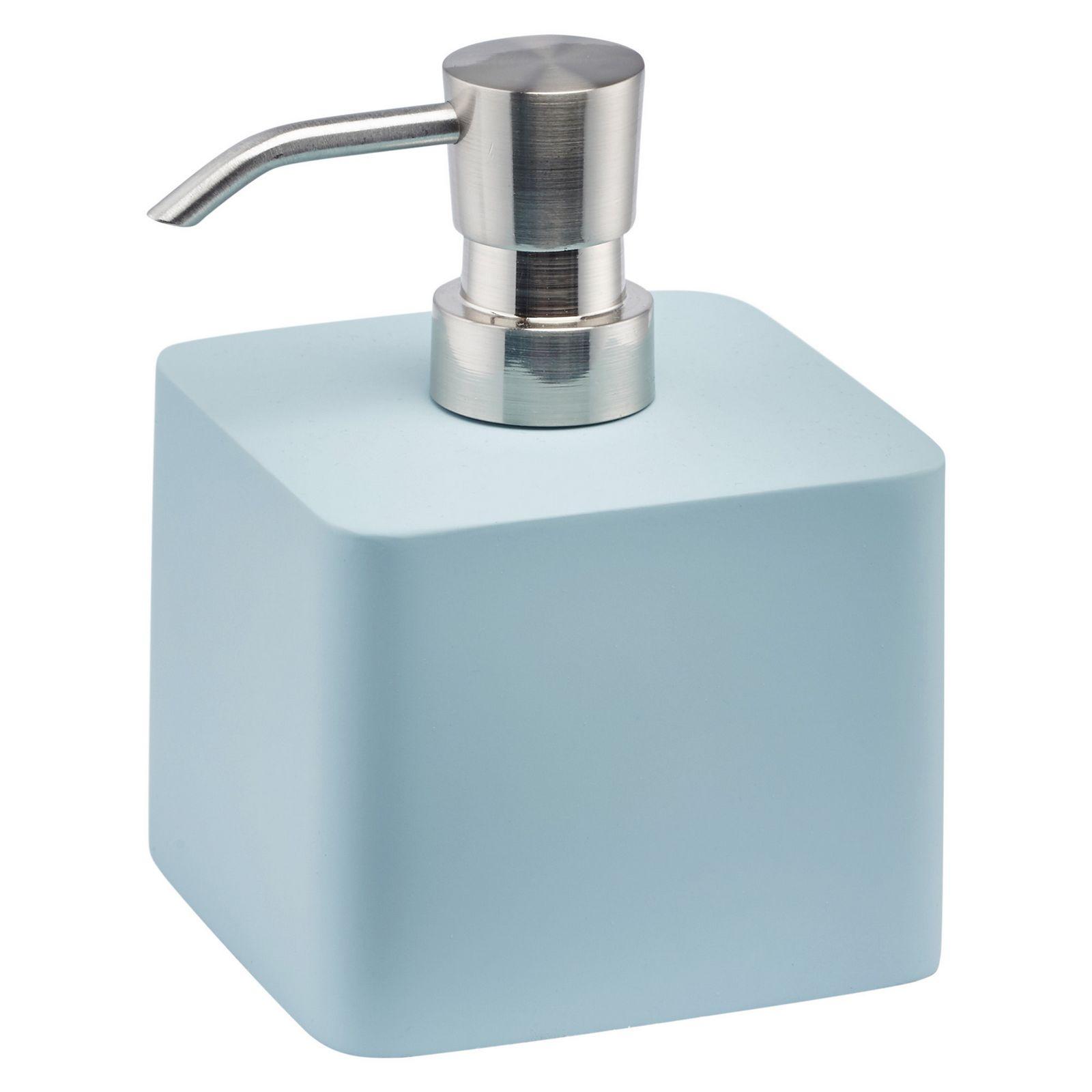 Диспенсер для мыла средний ONAONADIM-369- Материал:полирезина, резиновая отделка, цинк, нержавеющая сталь. Цвет: голубой. Размер: длина 9,5, ширина 9,5, высота 11,8. Aquanova- бельгийский бренд, представляющий стильные аксессуары и текстиль для ванной и дома. Это те необходимые предметы, которые делают дом уютным, отражая индивидуальный характер хозяина. Философия бренда – We love to create the look you like – вдохновляет на создание в доме своего собственного, неповторимого стиля. Дизайнеры бренда Aquanova особенно тщательно продумывают цветовые сочетания аксессуаров для ванной и текстиля, материалы и дизайн предметов: какую бы коллекцию вы ни выбрали, она с лёгкостью впишется в ваш интерьер. Привычные дозатор для мыла, стакан для зубных щеток или корзина для белья в исполнении бренда Aquanova превращаются в поистине дизайнерские предметы, которые придадут вашему дому особый стиль.