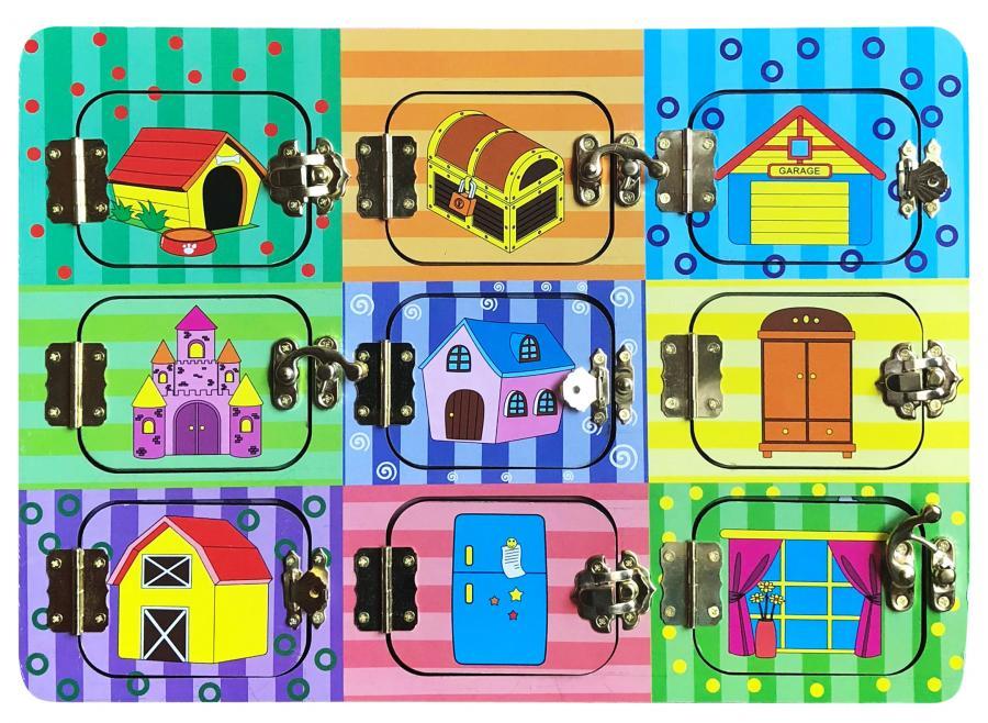 Бизиборд База игрушек ДЗ-001 бэмби бэмби бизиборд замочки деревенский двор