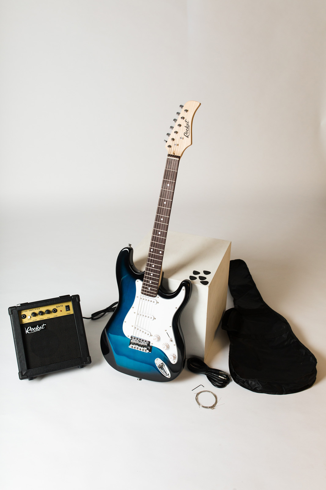 Электрогитара RockEt для начинающих с комбиком и аксессуарами, синий