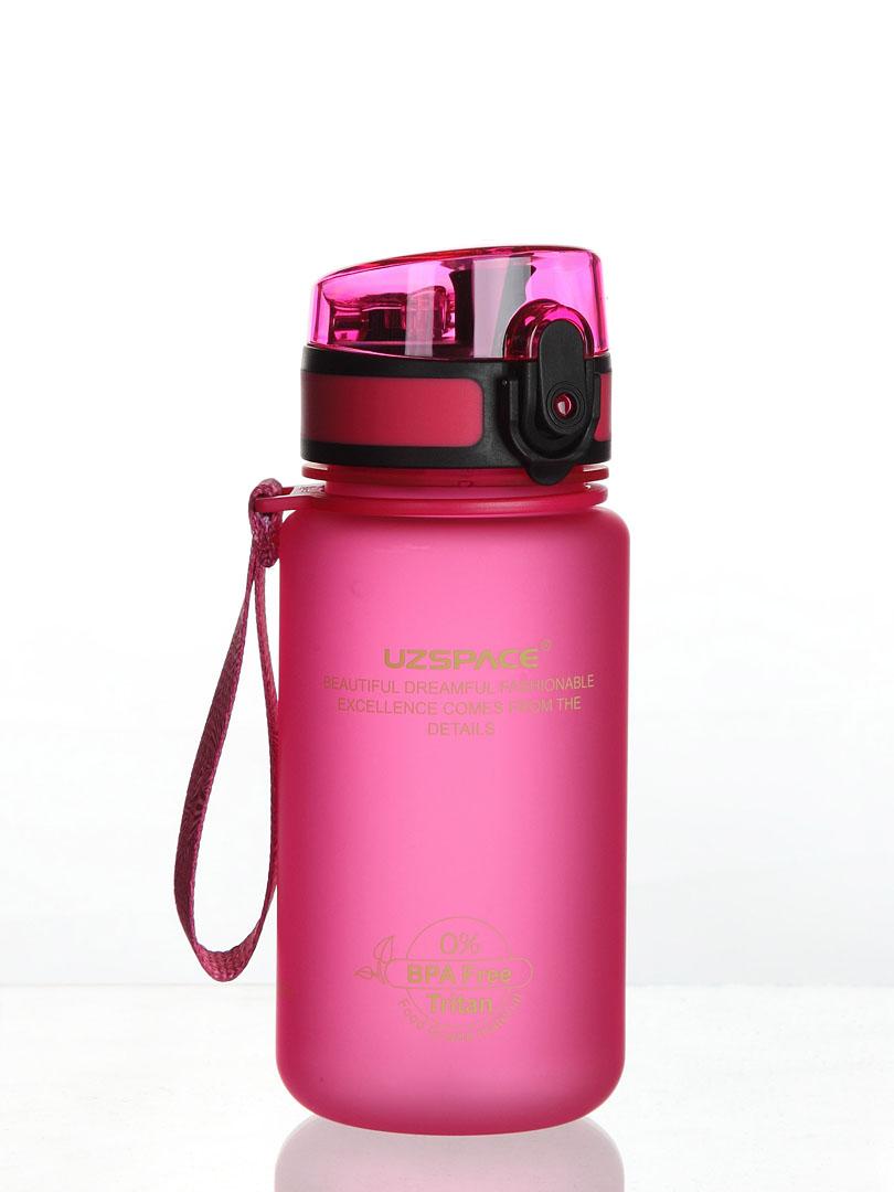 """Бутылка для воды UZSPACE Colorful Frosted Series Button lid 350, 3034/pink, розовый3034/pinkПривлекательная на вид и приятная на ощупь бутылка из современного и безопасного материала """"USA Tritan"""". Материал обладает высокой прочностью, не выделяет и не впитывает запахов, позволяет использовать бутылку в широком температурном диапазоне от -10 до +96 градусов по цельсию при этом не деформируясь и не теряя эксплуатационных характеристик. Дешевые бутылки пахнут пластиком, и даже вода приобретает вкус пластика достаточно быстро, а в этих бутылках используется Тритан экологически чистый (Тритан одобрен американской организацией FDA (Управление по санитарному надзору за качеством пищевых продуктов и медикаментов в США), Министерством здравоохранения, труда и благосостояния Японии (Japan department of health and human services) и внесен в реестр EFSA (Европейское агентство по безопасности продовольствия). Бутылка изготовлена на новом современном оборудовании с вниманием к деталям. Качество в мелочах. Убедитесь в этом сами, приобретя данный высококачественный продукт. Не использовать в микроволновой печи, посудомоечной машине, стерилизаторе! Не кипятить!"""