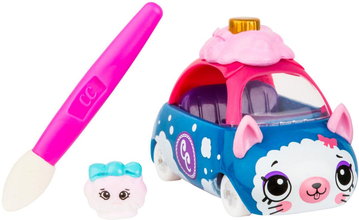 Машинка Cutie Cars Puff Rusher меняющая цвет с кисточкой57133/ast57107 (57130, 57131, 57132, 57133, 57134, 57135, 57400, 57401, 57402)Машинка Puff Rusher из обновленной линейки Кьюти Карс представляет собой фургончик c дизайном в виде пирожного, способный менять расцветку. Машинки Cutie Car из нового сезона научились менять цвет. Для смены раскраски достаточно поместить игрушку в теплую воду (от 35 до 42 градусов). Находясь в такой воде, машинка кардинально изменит расцветку. При этом она сохранит ее при комнатной температуре. Ребенок может намочить кисточку из набора в холодной воде (от 0 до -10 градусов) и с ее помощью наносить узоры на машинке. Для возвращения первоначального цвета игрушки ее необходимо полностью погрузить на некоторое время в холодную воду. Машинки нельзя опускать в воду нагретую до 49 градусов и выше. Рекомендованная температура воды для работы с машинками от -10 до +42 градусов цельсия. Машинки рекомендуются для детей в возрасте от 5 лет. В комплекте: машинка Cutie Car, мини-фигурки Shopkins, кисточка, руководство коллекционера. Набор содержит мелкие детали. Поэтому не рекомендуется давать его детям младше 3 лет во избежании попадания деталей в органы дыхания.