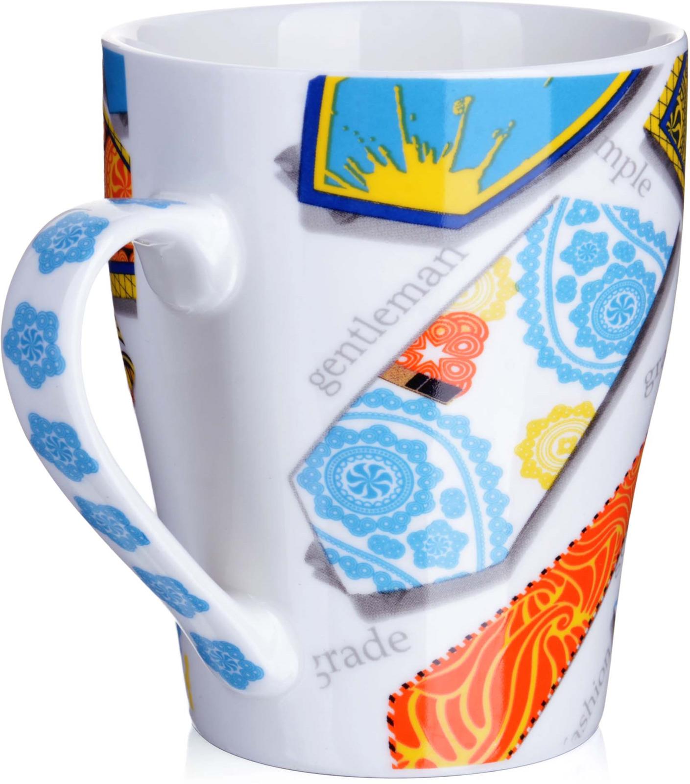 Кружка Loraine Галстук, цвет: белый, голубой, желтый, 340 млу3663Кружка, выполненная из высококачественного фарфора станет красивым и полезным подарком для ваших родных и близких. Дизайн кружки настроит на позитивный лад и подарит хорошее настроение с самого утра. Кружка украшена ярким рисунком и имеет удобную ручку. В подарочной упаковке. Кружка Loraine - идеальный подарок для ваших близких и ваших друзей. Подходит для мытья в посудомоечной машине.