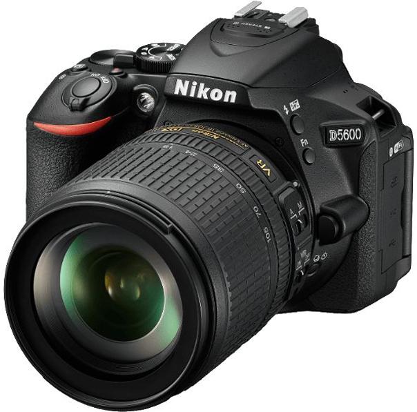 Зеркальная фотокамера Nikon D5600 Kit 18-105VR,цвет: черный зеркальный фотоаппарат nikon d7500 af s dx nikkor 18 105vr черный