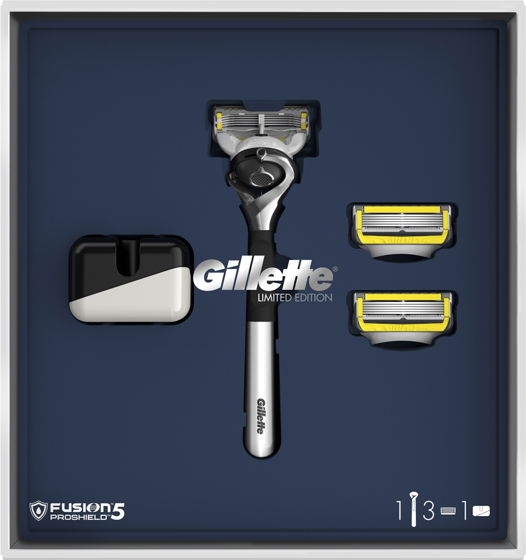 Подарочный набор Gillette Fusion5 ProShield: Бритва, 3 сменных кассеты, Подставка