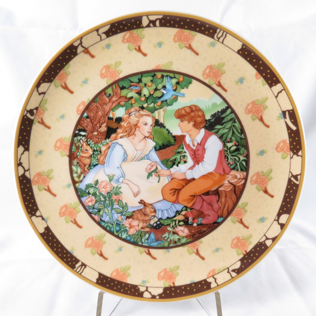 """Декоративная коллекционная тарелка Royal Cornwall """"Сказка Однажды в Рифму: Красные Розы""""."""