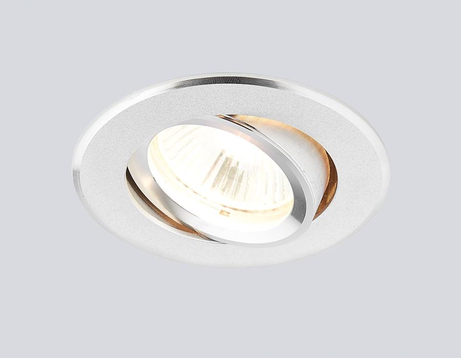 """Встраиваемый светильник Ambrella light A502 ALA502 ALПотолочные точечные светильники - хорошая замена традиционному освещению. С их помощью можно сделать акценты на определенных зонах в помещении или создать романтическую обстановку. Точечные светодиодные светильники Ambrella light могут стать настоящим украшением — важно лишь правильно их выбрать в соответствии с задачами помещения. Цвет """"алюминий"""" хорошо впишется в современный интерьер, не акцентируя внимания на себе. Поворотный механизм позволит менять зоны освещения одним легким движением. Рекомендуемая лампа LED/галогенная MR16 GU5.3 12V/220V max 50W."""