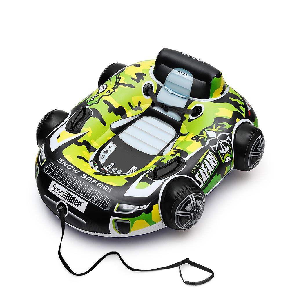 """Тюбинг Small Rider Snow Safari 2, бескамерный, цвет: зеленый, длина 104 см1636651Обновленная версия революционного тюбинга! Snow Safari 2 - это бескамерные тюбинги нового поколения марки Small Rider, разработанные и придуманные компанией """"Мегарион"""". Принципиальный момент - внутрь машинки не нужно вставлять камеру. Надувается весь корпус. Второй версии удалось достичь """"объемной"""" формы, почти такой же как у электромобиля или веломобиля. 10 ключевых преимуществ: 1) Потрясающе красивый дизайн и реалистичная форма настоящей машинки; 2) Санки бескамерные - не нужно мучаться вставлять внутрь камеру, нет резкого резинового запаха; 4) Более комфортный материал, более удобная и приятная посадка; 5) Есть ремни безопасности и большая спинка; 6) Санки развивают чуть меньшую скорость, чем камерные тюбинги, что важно для безопасности малышей; 7) Очень легкие - вес всего 1.7 кг! 8) Есть отверстие для быстрого сдува/надува; 9) При накачке не появится """"грыжа"""" как у тюбингов с камерой и перекос в одну из сторон; 10) Можно полноценно использовать на воде летом Реалистичная форма машинки Самая сложная задача была в том, чтобы создать санки, похожие на настоящую машинку, и при этом, чтобы конструкция была крепкой, не сдувалась и не повреждалась при спуске и трении. Несколько зим велись разработки и подбор материалов, проводилось тестирование прототипов. И вот, наконец, получился продукт, который сочетает в себе всех необходимые свойства. Катание на таких санках - это катание на машинке! Невероятно комфортная посадка У камерных тюбингов круг в центре, ку..."""