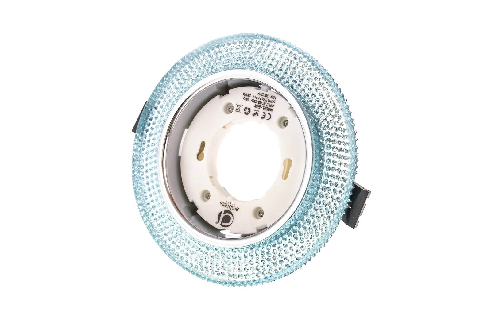 Встраиваемый светильник Ambrella light G290BLG290BLПотолочные точечные светильники - хорошая замена традиционному освещению. С их помощью можно сделать акценты на определенных зонах в помещении или создать романтическую обстановку. Точечные светодиодные светильники Ambrella light могут стать настоящим украшением — важно лишь правильно их выбрать в соответствии с задачами помещения. Данный светильник представляет собой яркий пример современного дизайна. Круглая кромка имеет дополнительный источник света в виде LED ленты. Дизайн позволяет сочетать модель как с классическими, так и с современными интерьерными решениями. Рекомендуемая лампа LED/галогенная GX53 12V/220V max 50W.