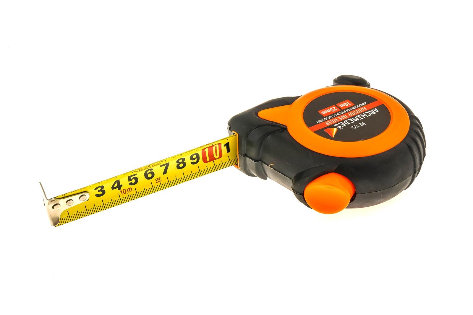 Измерительная рулетка с автостопом Archimedes 10мх25мм90125Корпус из ударопрочного АБС пластика с прорезиненным покрытием предотвращающим проскальзывание рулетки в руке. Функция Автостоп, значительно упрощающая процесс измерения. Поясное крепление.