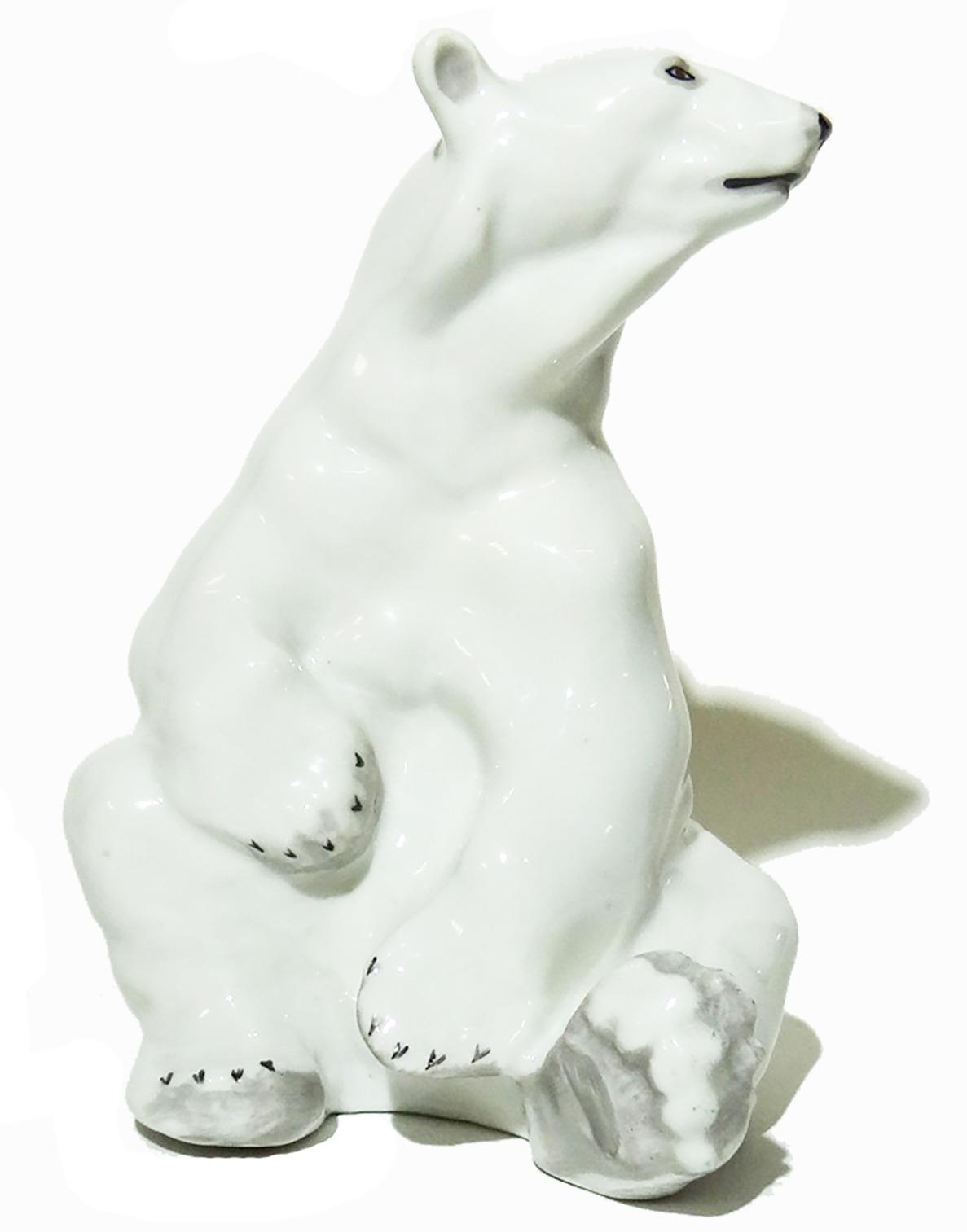 Статуэтка Белый медведь. Фарфор, роспись. СССР, ГиКИ, 1950-60 гг хрустальная статуэтка медведь cristallerie royale de champagne