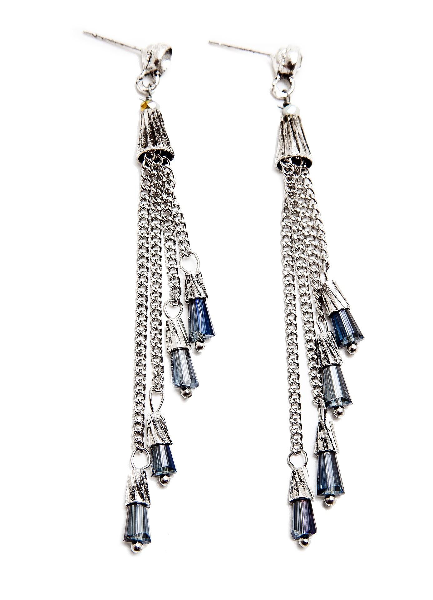 Серьги Aiyony Macie, ER800149, серебряныйER800149Размер 8 х 1 см. Состав: кристаллы, стразы, сплав на основе латуни